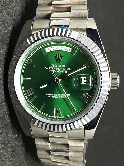 Replica horloge Rolex Day-Date 05 (40mm) 228239 (Groen) Hulk /president band/automaat/wit goud