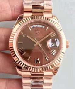 Replica horloge Rolex Day-Date 01 (40mm) 228235 Chocolate Rose Gold Automatic (Presidentband) Romans