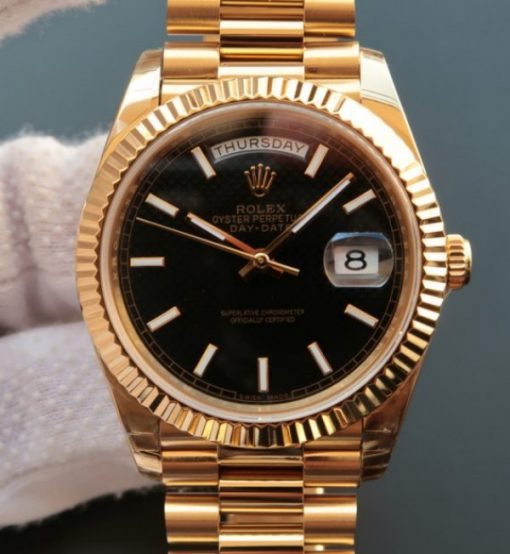 Replica horloge Rolex Day-Date 17 (40mm) 228238 Yellow gold president band Automatic