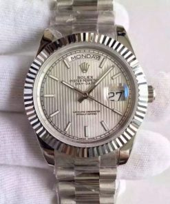 Replica horloge Rolex Day-Date 08/2 (40mm) 228239 zilveren wijzerplaat(President band) Automatic